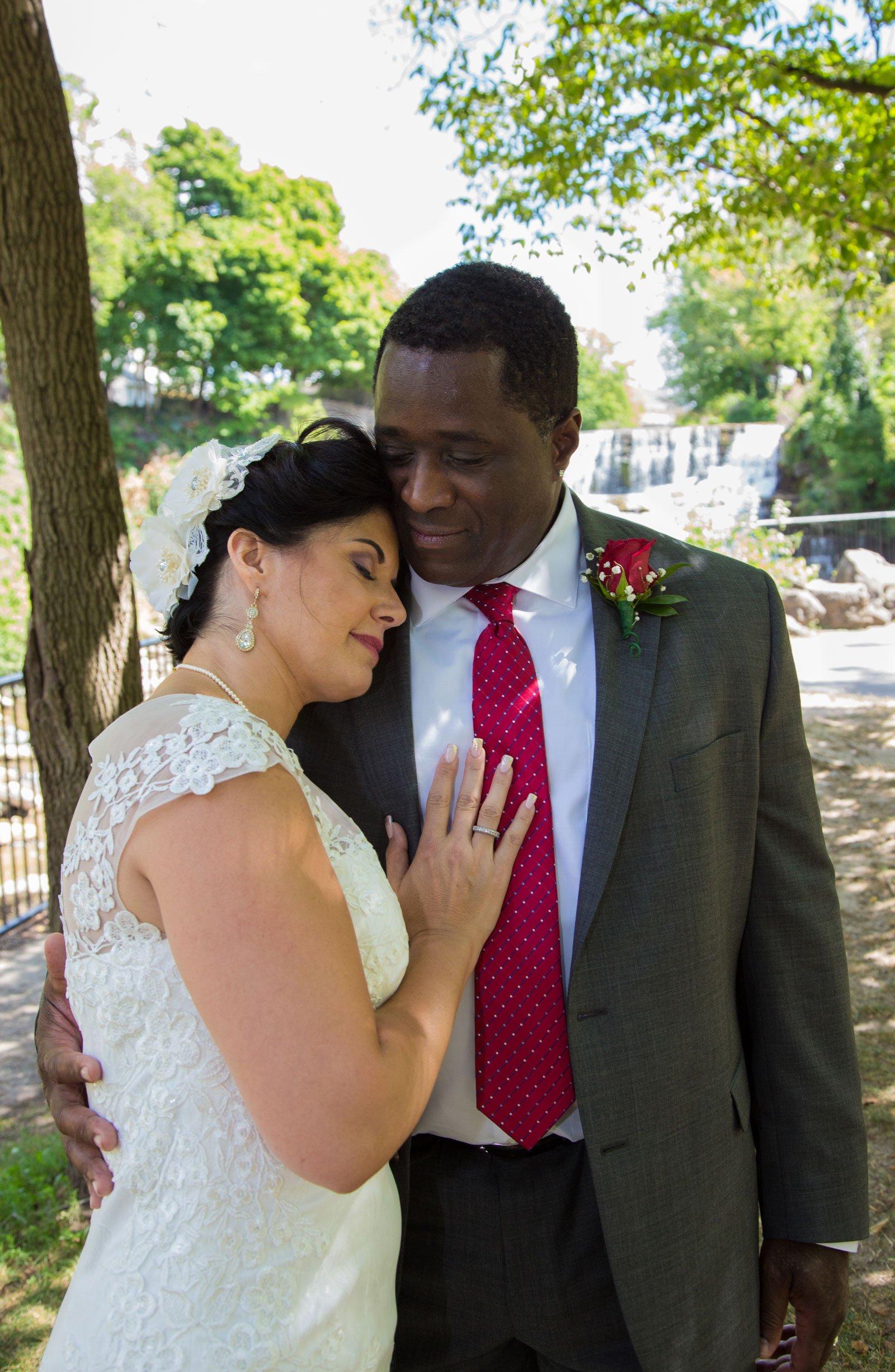 Williamsville, NY Wedding bride with groom