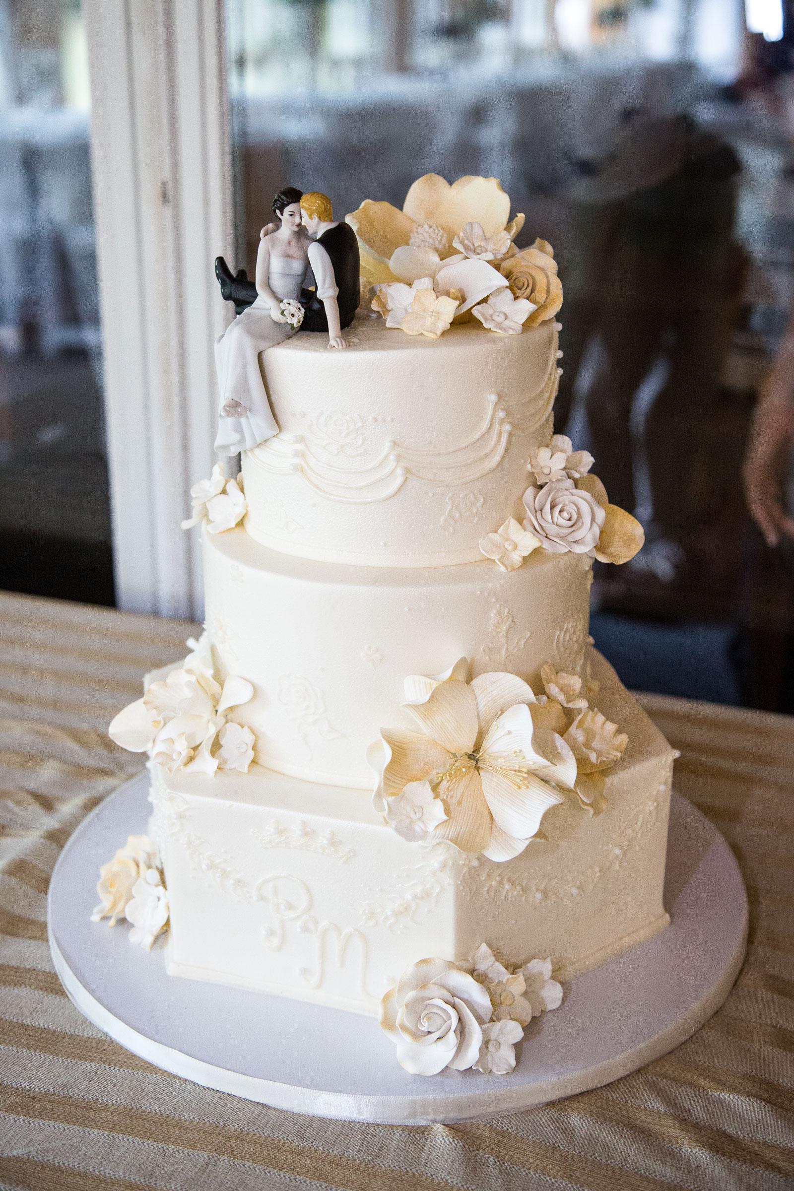 Medina, NY Wedding wedding cake
