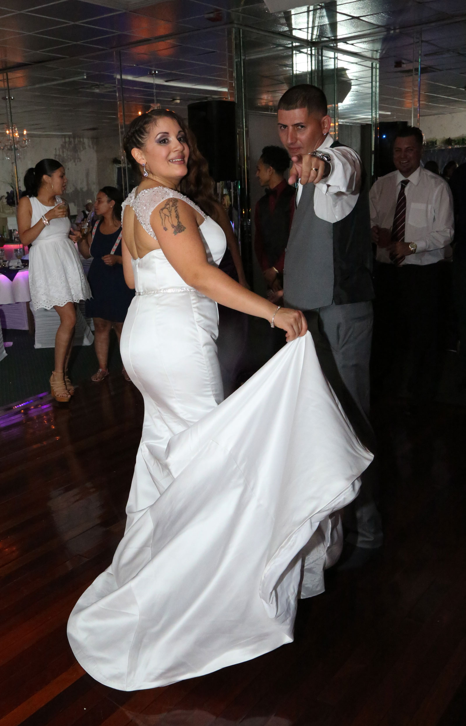 Buffalo, NY Wedding bride dances