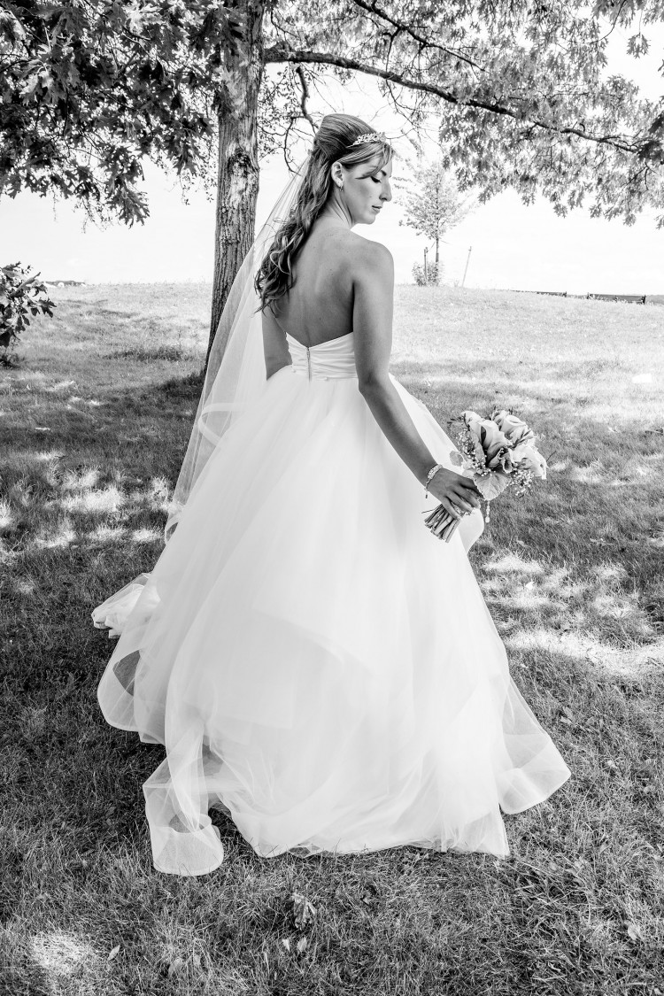 Beautiful Bride black and white