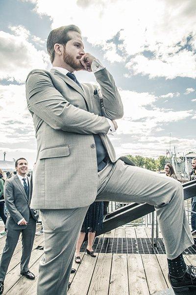 groom cool pose