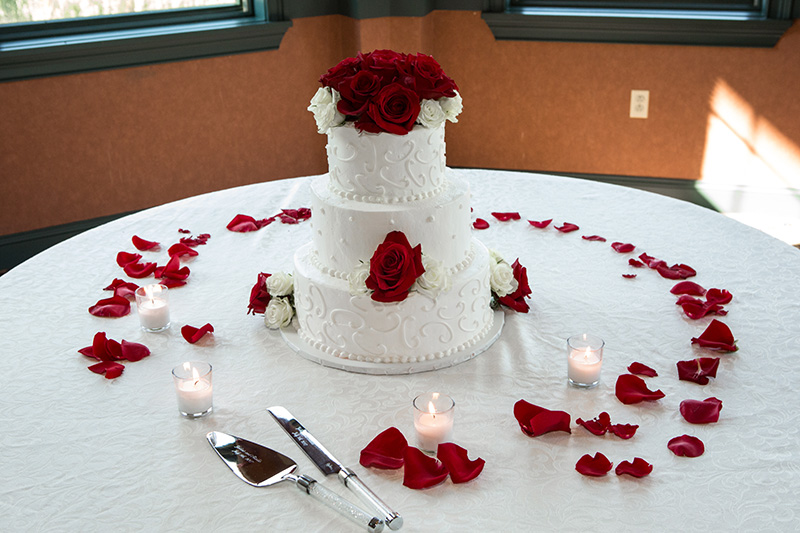 wedding cake wide shot