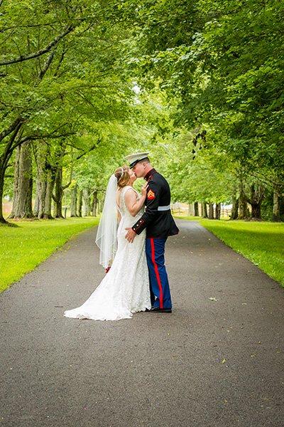 bride groom roadway kiss
