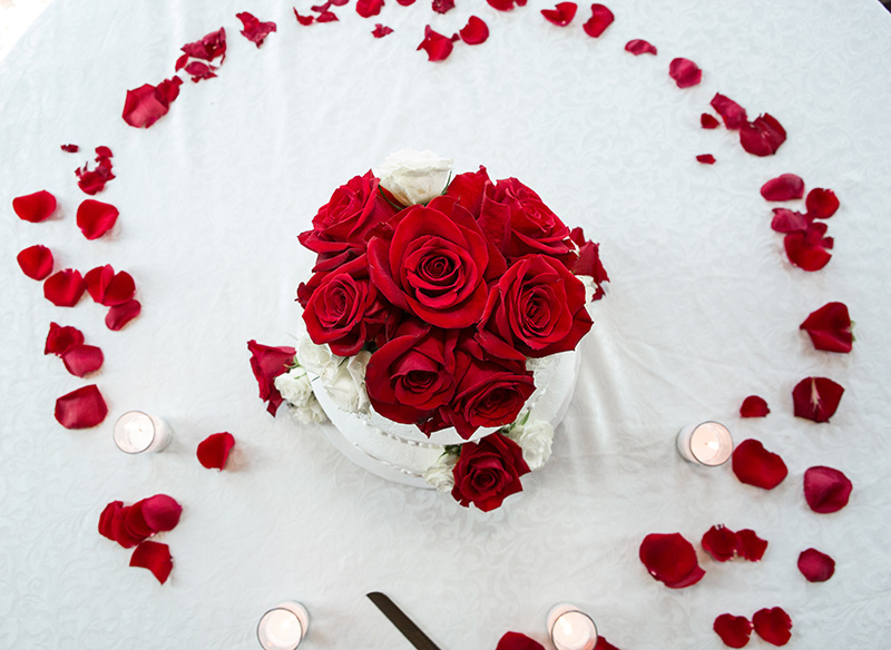 wedding cake roses on a table